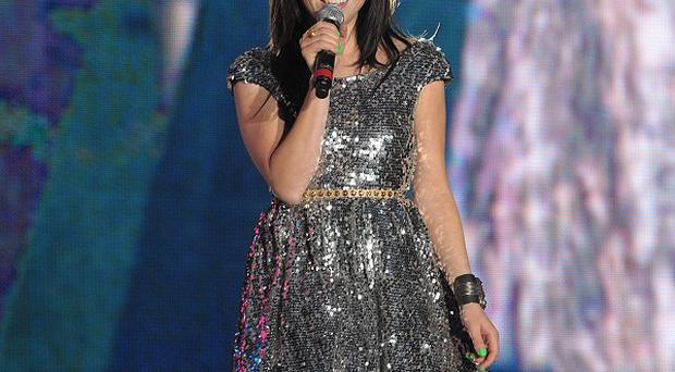 Carly Rae Jepsen is working with her fans on her American Idol performance