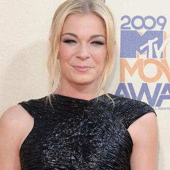 LeAnn Rimes is to star in her own reality TV show