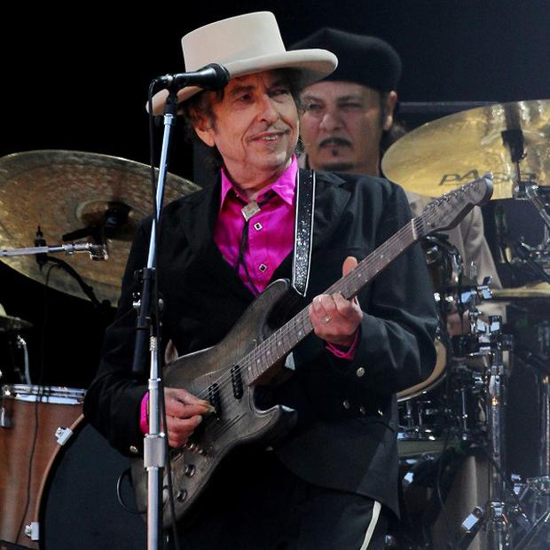 Bob Dylan will play nine UK dates
