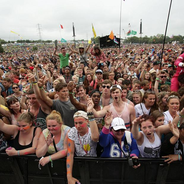 Glastonbury festivalgoers have enjoyed a set by Chic