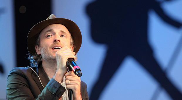Fran Healy and Travis performed at V Festival with borrowed gear