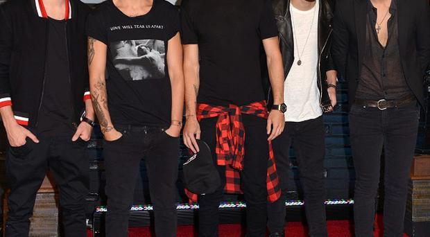 One Direction have signed a new deal with Syco