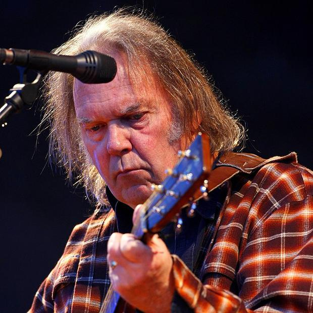 Neil Young will perform at a Red Hot Chili Peppers fundraising gig