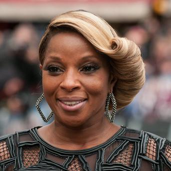 Mary J Blige will sing the national anthem at the baseball World Series