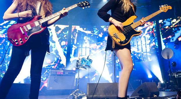 Singer Este Haim admitted she can't sleep when she's on the road