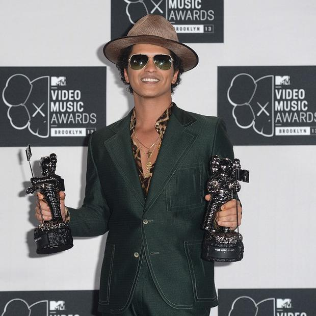Bruno Mars is the most pirated artist of 2013