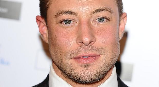 Duncan James would like to meet a man to settle down with