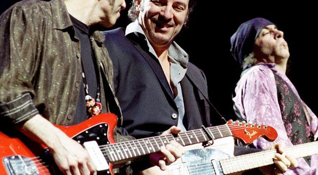 Bruce Springsteen will honour his E Street Band