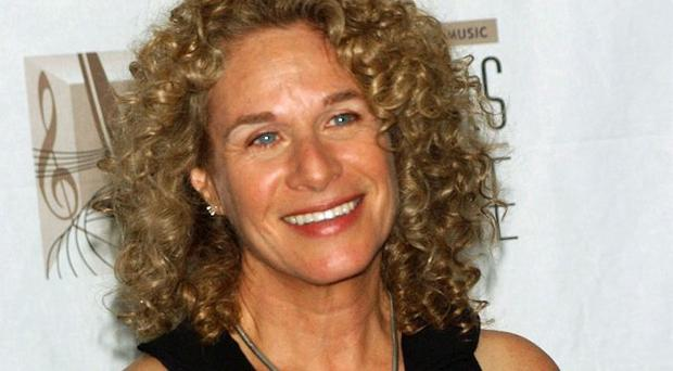 Carole King joined the cast of the musical Beautiful on stage for their curtain call