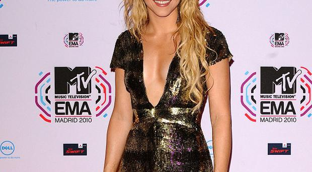 Shakira says she's not planning to walk down the aisle