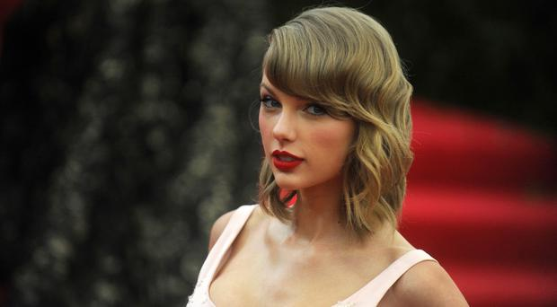 Taylor Swift's album 1989 is selling well in its first week of release