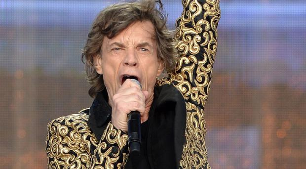 Sir Mick Jagger has been ordered to rest by doctors after developing a throat infection