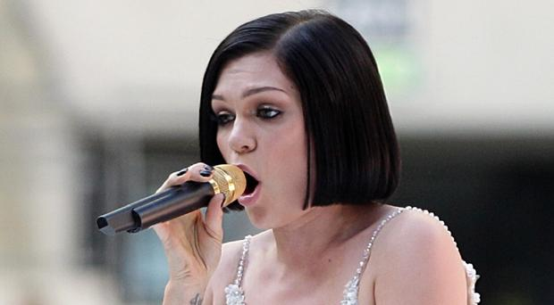Jessie J is suffering from a throat infection