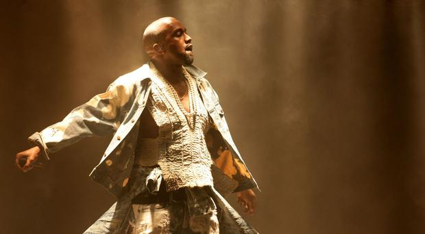 Kanye West is to receive the Michael Jackson Video Vanguard award