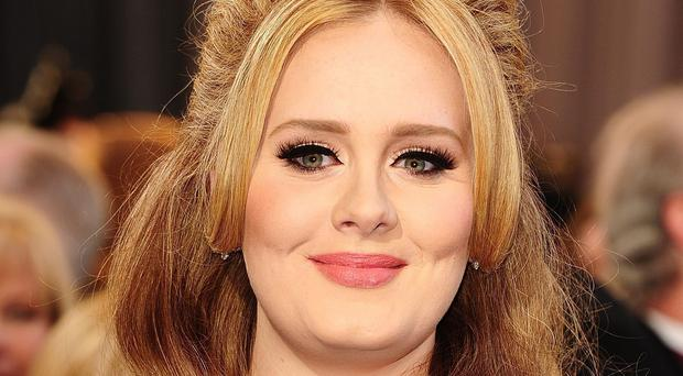 Adele's 25 shifted 354,000 copies over the last seven days