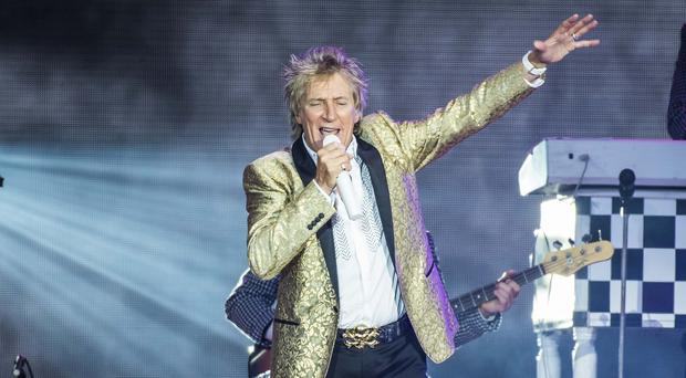 Rod Stewart donated the 23,000 dollars to the Trach Mommas of Louisiana group