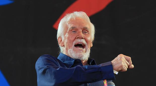 Unspecified 'Health Challenges' Halt Kenny Rogers' Farewell Tour