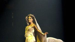 Singer Sarah Brightman is aiming to visit space