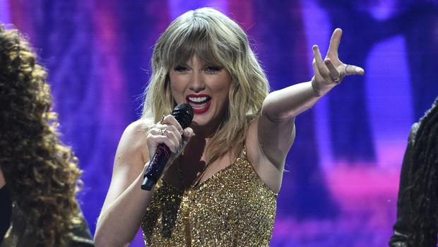 Taylor Swift reflected on a year of highs and lows as she dominated the American Music Awards (Chris Pizzello/Invision/AP)