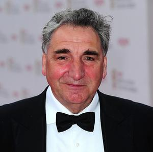 Jim Carter like to watch Downton Abbey so he can catch up with the plot