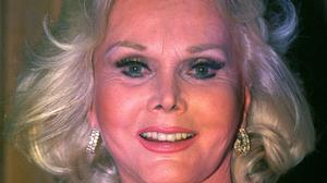 Zsa Zsa Gabor picture din 1993 - her widower has told how she died of a heart attack aged 99