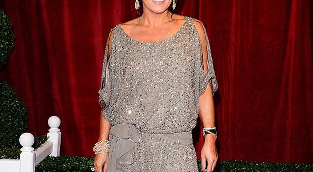 Jessie Wallace has accepted undisclosed libel damages over a claim that she snubbed Letitia Dean