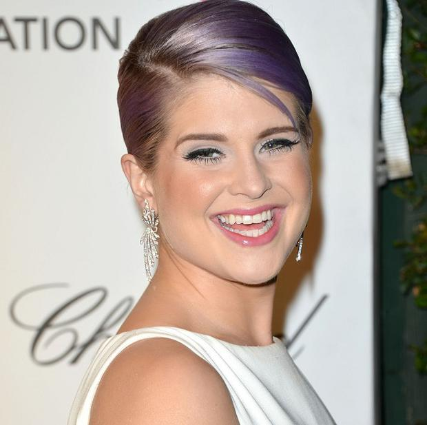 Kelly Osbourne is fine after suffering from a seizure
