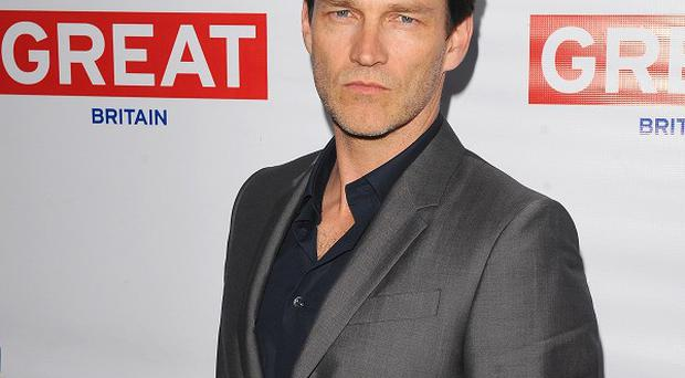 Stephen Moyer will play Chicago's Billy Flynn in LA