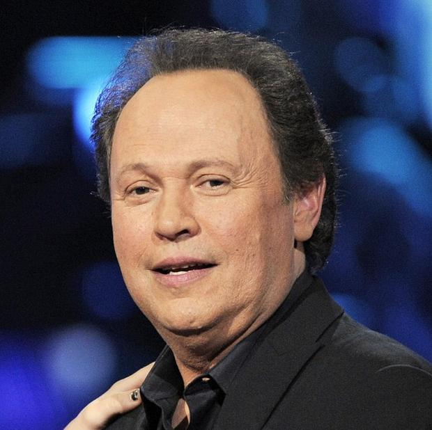 Actor Billy Crystal gave 112,000 US dollars from his family funds towards rebuilding a storm-hit area