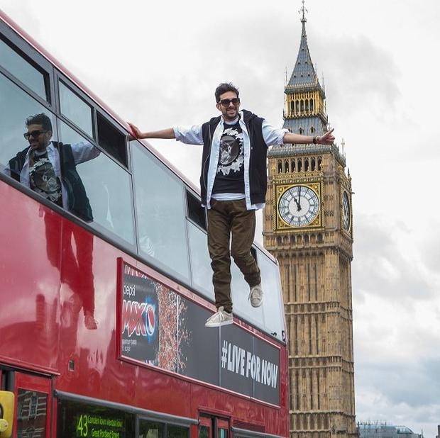 Dynamo takes an unconventional bus journey across London