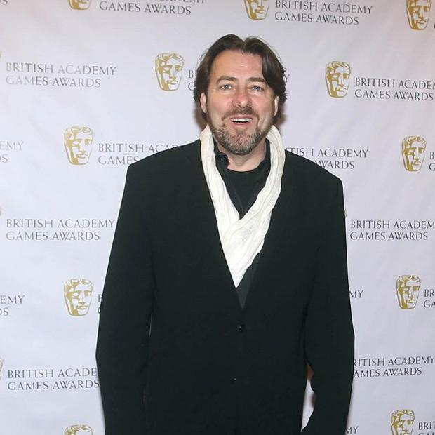 Jonathan Ross has extended his deal with ITV