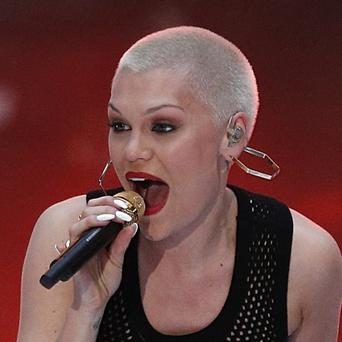 Jessie J shaved her head