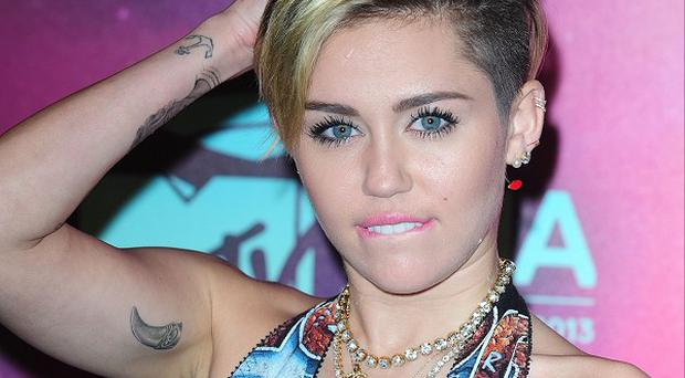 Miley Cyrus has tweeted about her stomach flu