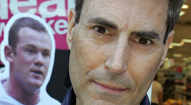 Uri Geller says he could have helped the England team