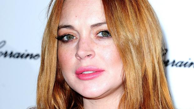 Lindsay Lohan is to write a book about her life