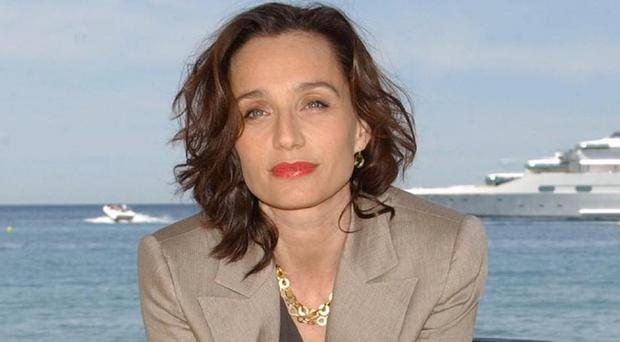 Kristin Scott Thomas is set to play the Queen on stage