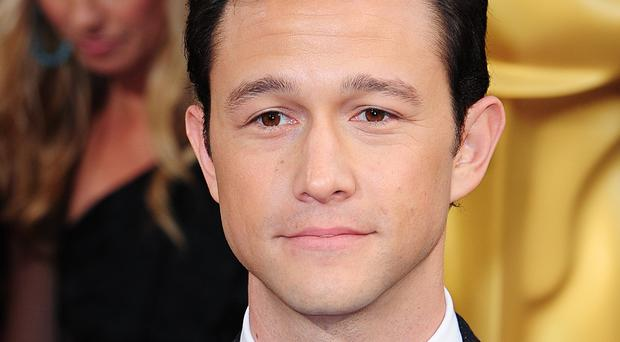 Joseph Gordon-Levitt has quietly tied the knot with his girlfriend