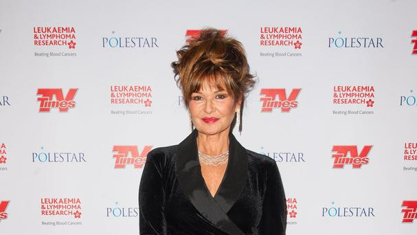 Stephanie Beacham is to marry for the second time