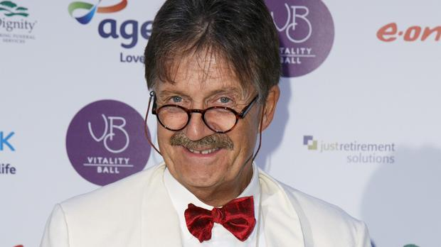 Tim Wonnacott has stepped down from the BBC's Bargain Hunt