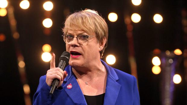 Eddie Izzard has been ordered to rest during his marathons tour of South Africa