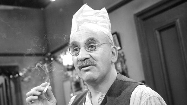 Warren Mitchell, as Alf Garnett, in rehearsals for Till Death Us Do Part