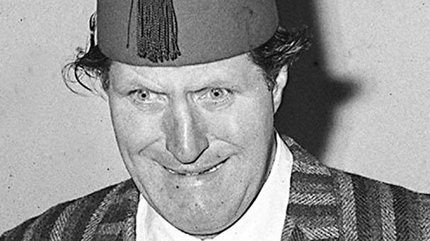 A new blue plaque has been revealed at Tommy Cooper's former home
