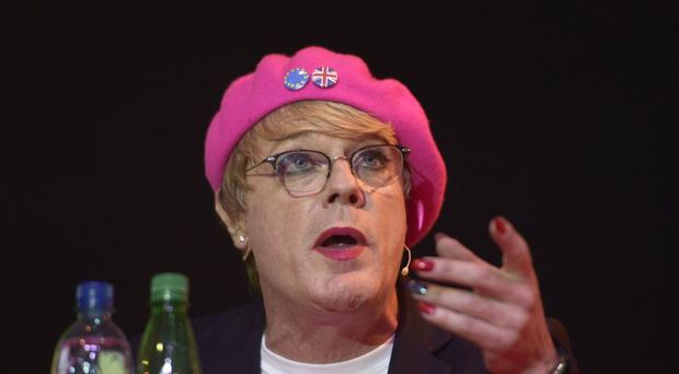 Comedian Eddie Izzard has been announced as the winner of the Outstanding Achievement award