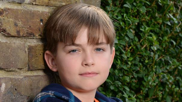 Bobby Beale is played by Eliot Carrington
