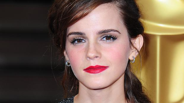 Harry Potter star Emma Watson hides books on London Underground