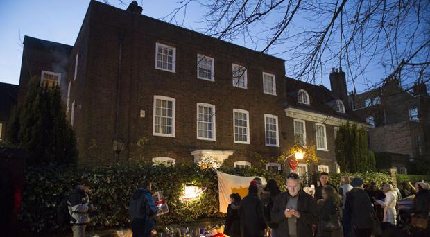 Fans have signed a petition calling for a statue of George Michael to be erected outside his house in Highgate, north London