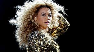 Beyonce has been accused of removing photoshopped pictures from Tumblr