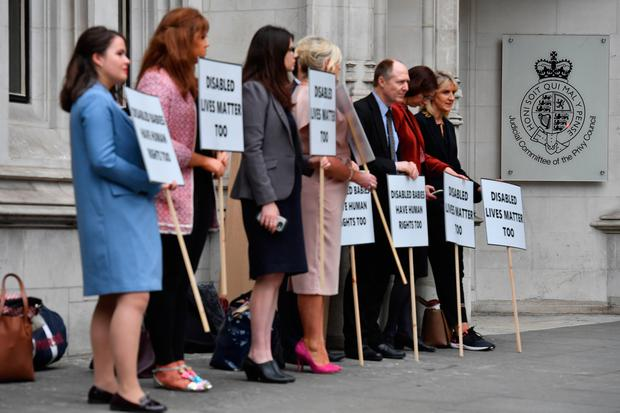 Pro-life demonstrators protest outside the supreme court in London. /AFP PHOTO/Ben STANSALLBEN STANSALL/AFP/Getty Images