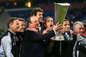AMSTERDAM, NETHERLANDS - MAY 15:  Chelsea Interim Manager Rafael Benitez and his coaching staff pose with the trophy during the UEFA Europa League Final between SL Benfica and Chelsea FC at Amsterdam Arena on May 15, 2013 in Amsterdam, Netherlands.  (Photo by Michael Steele/Getty Images)