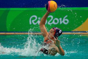 RIO DE JANEIRO, BRAZIL - AUGUST 11:  Maggie Steffens #6 of United States passes during a Womens Preliminary match against China on Day 6 of the 2016 Rio Olympics at Maria Lenk Aquatics Centre on August 11, 2016 in Rio de Janeiro, Brazil.  (Photo by Mike Ehrmann/Getty Images)